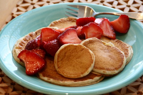Basic Boffo Buttermilk Pancakes on Shockingly Delicious