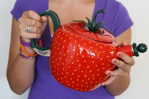 Post image for I won this cute kettle from the strawberry people!
