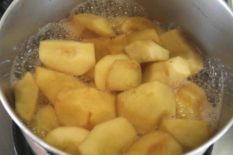 Rustic Chunky Applesauce