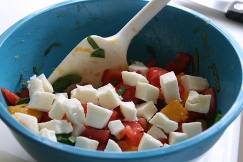 Mango Caprese Salad on shockinglydelicious.com