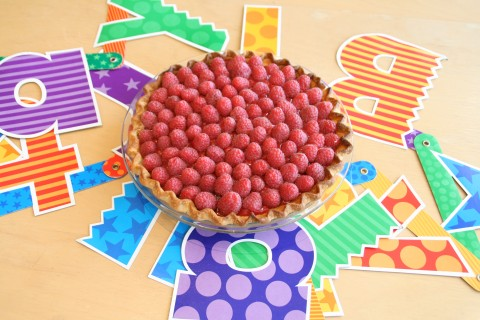 Fresh Raspberry Pie on Shockingly Delicious