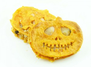 Halloween pumpkin quesadillas from Cakebatterandbowl.com