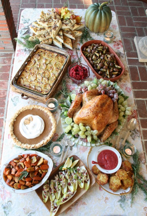Blogger Thanksgiving table