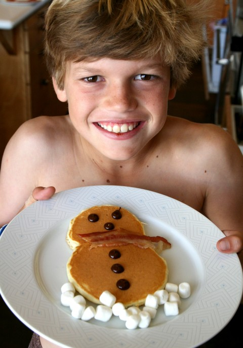 Snowman Pancakes with Cam