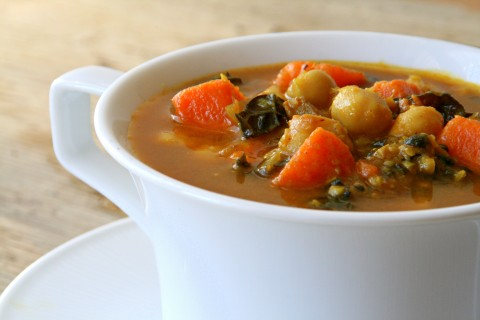 Smoky Curried Kale and Garbanzo Soup