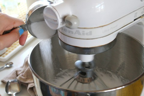 Adding sugar to egg whites