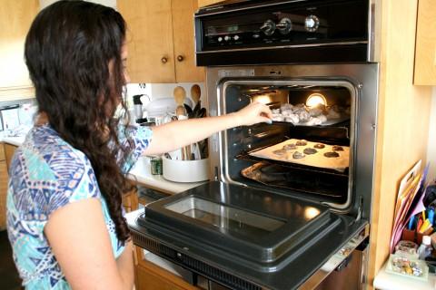 Nutella meringues into the oven