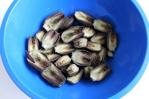 Fiesole Baby Purple Artichokes cut in bowl