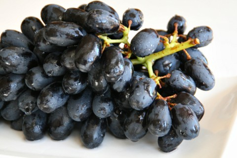 Black Muscato Grapes on ShockinglyDelicious.com