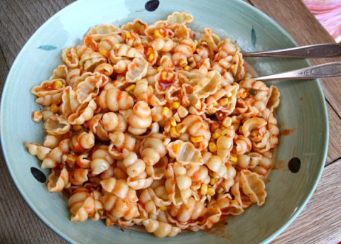 Roasted Tomato-Garlic Corn Pasta from Men Who Like to Cook