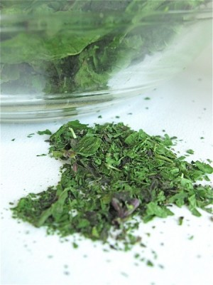 Drying herbs in microwve by King Arthur Flour