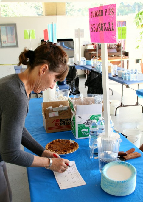 Volunteer runner -- Malibu Pie Contest 2012