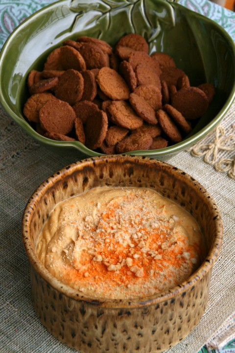Pumpkin Cream Cheese Dip with Gingersnaps