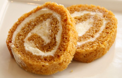 Pumpkin Cake Rolls for Thanksgiving or Christmas. Recipe here: http://www.shockinglydelicious.com/?p=10246