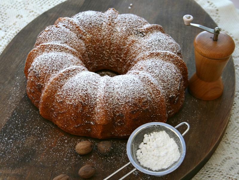 Nutmeg Bundt Cake on ShockinglyDelicious.com. Recipe here: http://www ...