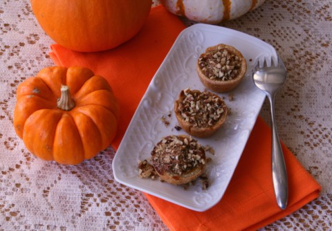 Mini Pumpkin-Maple Tarts with Toasted Pecan Streusel on ShockinglyDelicious.com . Recipe: https://www.shockinglydelicious.com/?p=10193