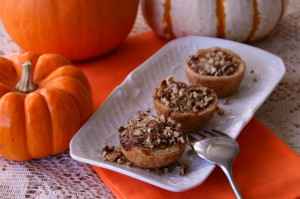 Mini Pumpkin-Maple Tarts with Toasted Pecan Streusel on ShockinglyDelicious.com . Recipe: http://www.shockinglydelicious.com/?p=10193