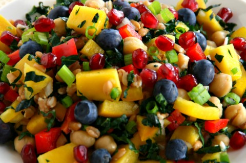 Vegan Mango Chickpea Kale Farro Salad on Shockingly Delicious. Recipe: https://www.shockinglydelicious.com/?p=11106
