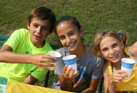 Country Time Lemonade Stand on Shockingly Delicious