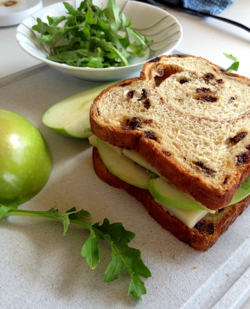 Apple Cinnamon Horseradish Cheddar Grilled Cheese — Shockingly ...