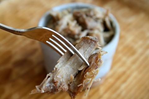 Slow Cooker Hawaiian Kalua Pork on Shockingly Delicious