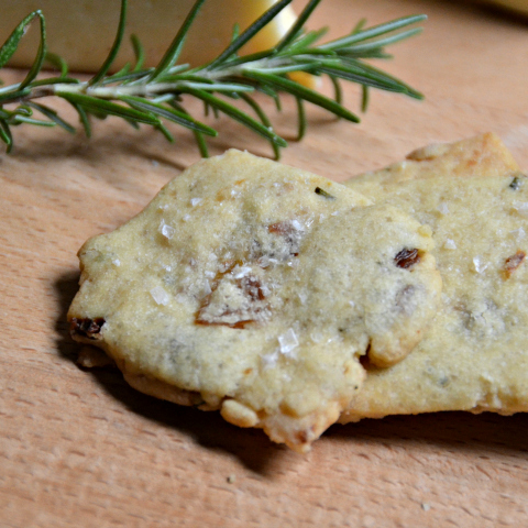 Rosemary Raisin Cocktail Shortbread by Cheesy Pennies