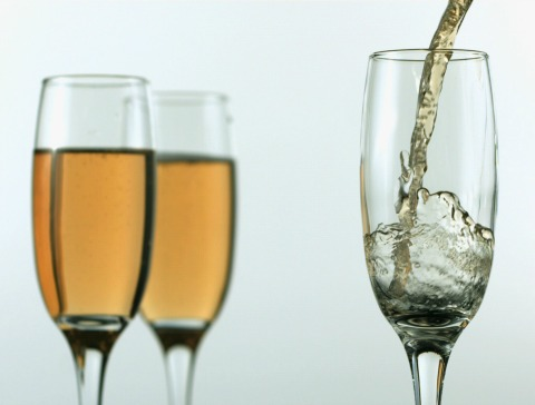 10 Champagnes Less than $20 for Valentine's Day | www.ShockinglyDelicious.com