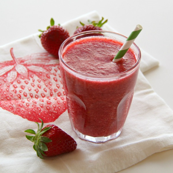 Red Fruit And Vegetable Breakfast Smoothie Shockingly