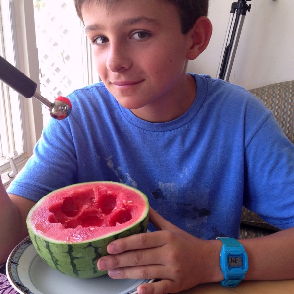 How to Eat a Mini Watermelon All By Yourself | ShockinglyDelicious.com