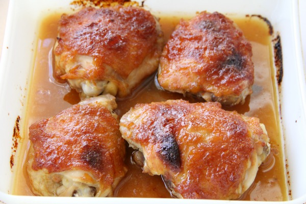 Apricot-Lacquered Chicken Thighs | www.ShockinglyDelicious.com