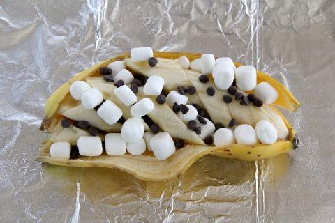 Grilled S'Mores Banana Splits | ShockinglyDelicious.com