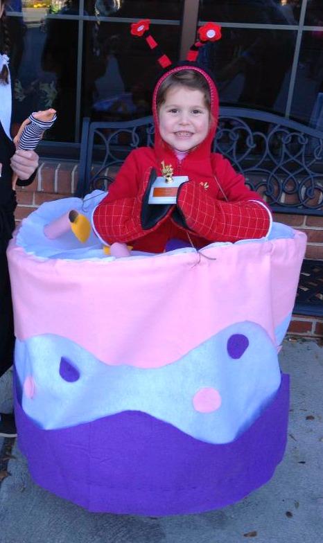 Crab Cake costume for Halloween   ShockinglyDelicious.com