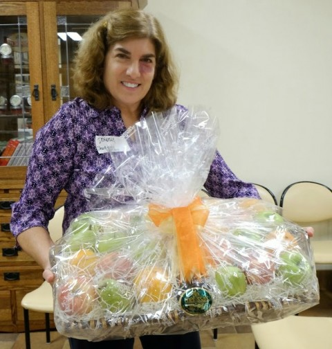 Dorothy Reinhold wins a fruit basket | ShockinglyDelicious.com