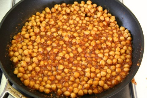 Skillet Sicilian Chickpeas Over Quinoa | Vegan Chickpea Skillet Dinner | ShockinglyDelicious.com