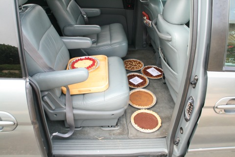 Pies in my Honda minivan on the way to a pie contest on ShockinglyDelicious.com