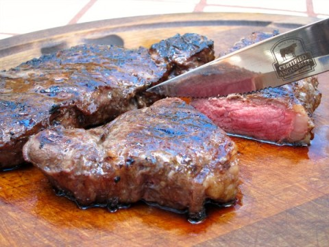 Garlic Ginger Soy Grilled Beef Steak | Simple marinated steak recipe | ShockinglyDelicious.com