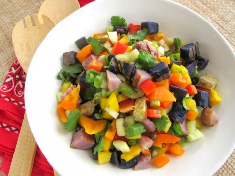 Grilled Rainbow Potato Salad | Easy Potato Salad recipe stuffed with colorful vegetables (vegan) | ShockinglyDelicious.com