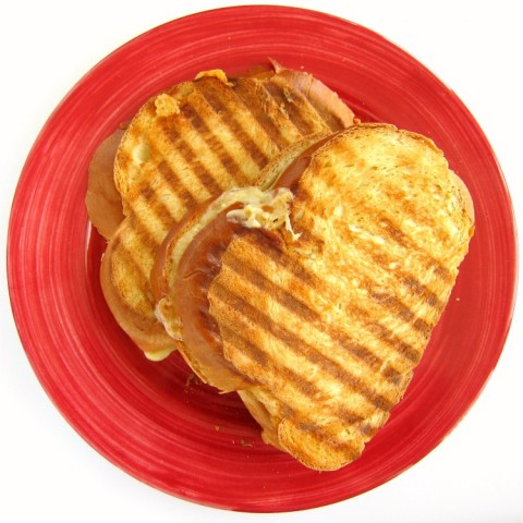 Dubliner Grilled Cheese Sandwich on ShockinglyDelicious.com
