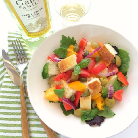 Summer's perfect salad! Tuscan Panzanella Salad | Italian Bread Tomato Salad | ShockinglyDelicious.com