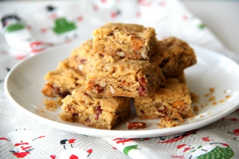 Butterscotch chips, toasted pecans, brown sugar and LOTS of butter make these Butterscotch Shortbread Cookies addictively delicious. Great for a holiday cookie plate! | ShockinglyDelicious.com