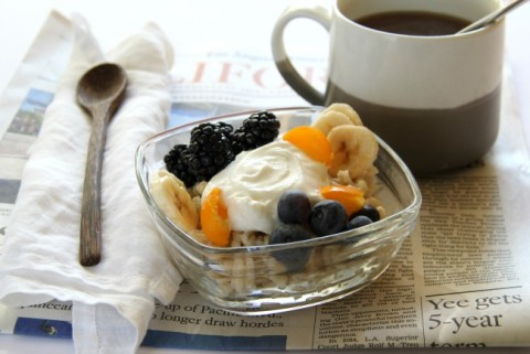Move over oatmeal! Barley is the new breakfast grain, and this Barley Banana Berry Breakfast Bowl dresses it up nicely for a healthy start to the day. | ShockinglyDelicious.com"|480|321|?|bc288a54bdb21815b9f2e6c5cbcd4230|False|UNLIKELY|0.3038531541824341