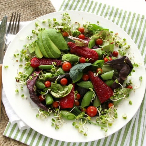 Spring Farmers Market Salad on ShockinglyDelicious.com