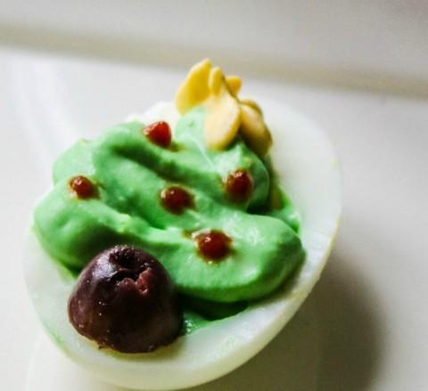 christmas-tree-deviled-egg-by-mind-full-mom