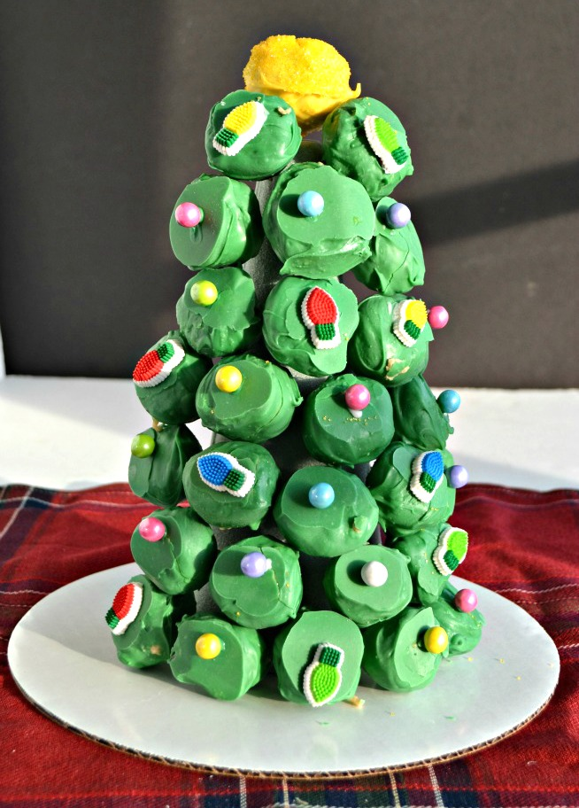 christmas-tree-made-from-oreo-balls
