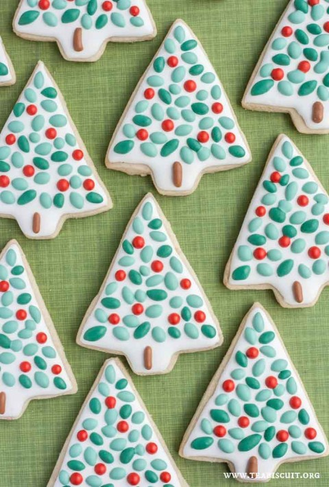 decorated-christmas-cookies-from-noshtastic