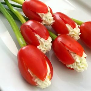 Grape Tomato Cream Cheese Tulips easy appetizer recipe