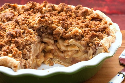 Mama's Apple Pie with Streusel Topping