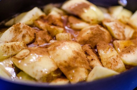 cooked-apples-ready for the crust