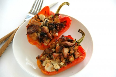 Turkey and Stuffing Stuffed Peppers are a super easy and delicious way to deploy Thanksgiving leftovers. Use your surplus with only 4 ingredients!