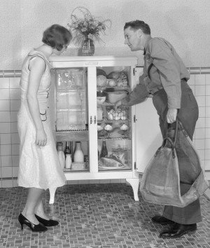 1920s ice box photo from the National Museum of American History